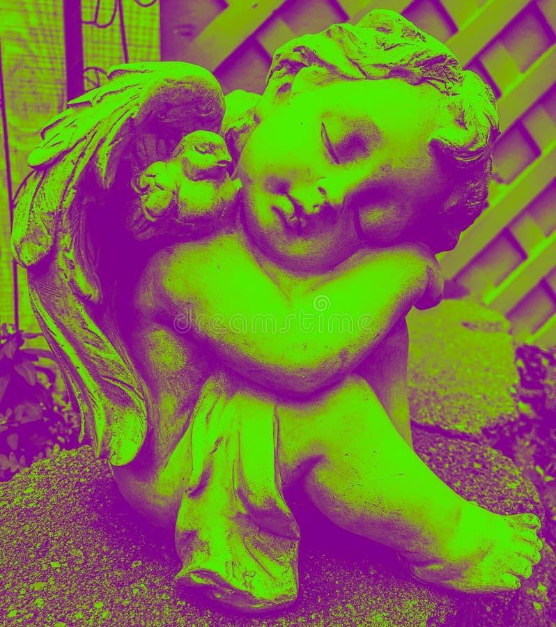 Anioł rzeźba w dzikim duetu brzmieniu fotografia royalty free