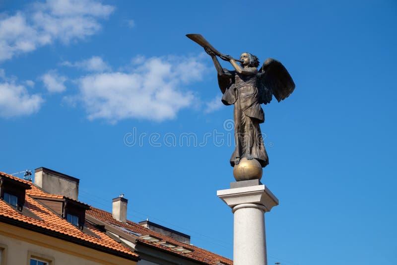 Anioł statua w Uzupis, czechu i artystycznym okręgu w Vilnius, Lithuania fotografia stock
