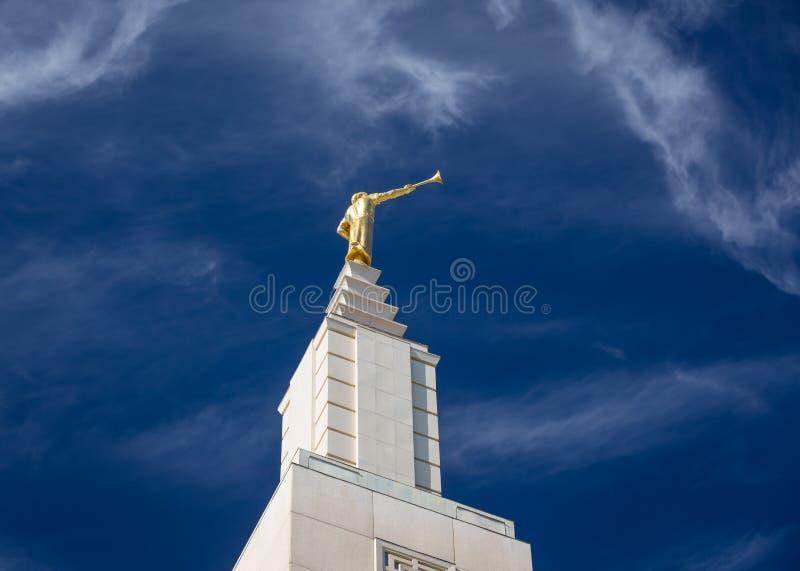 Anioła Moroni statua Na Los Angeles Kalifornia świątyni zdjęcie royalty free