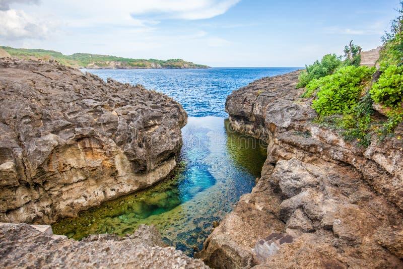 Anioła ` s Billabong plaża naturalny basen na wyspie Nusa Penida obrazy royalty free