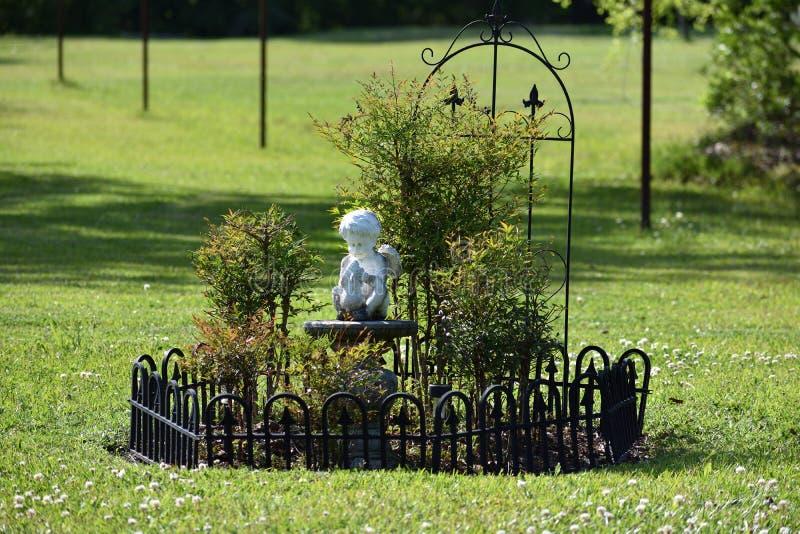 Aniołeczka motyla ogród fotografia royalty free