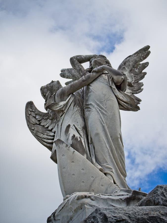 Aniołowie na górze grobowa fotografia royalty free