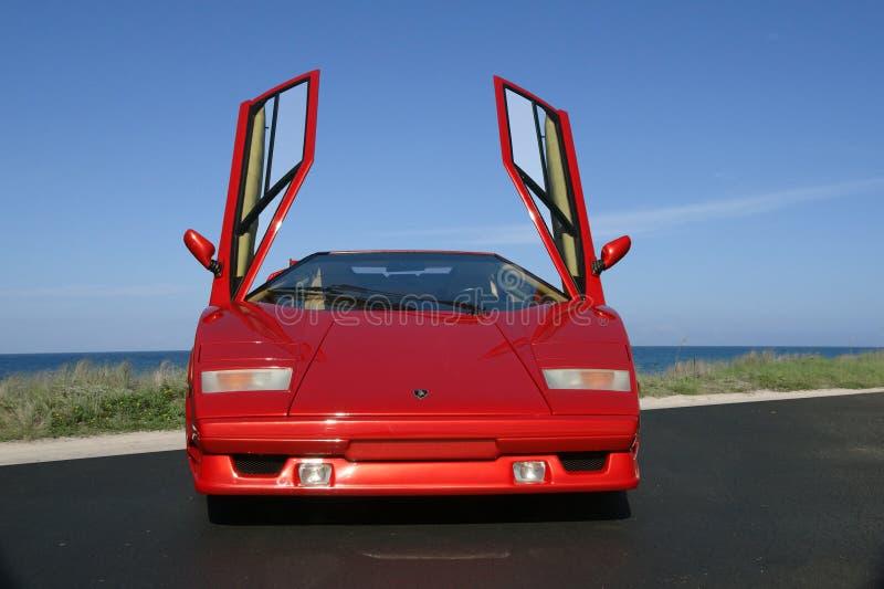 Aniversário 1989 de Lamborghini Countach 25o com as portas da gaivota-asa abertas fotos de stock royalty free
