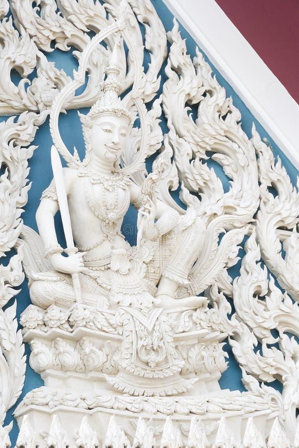 Anjo branco do estilo de Sião no templo fotografia de stock