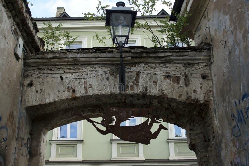 Anjo da lata como um símbolo de Uzupis fotografia de stock