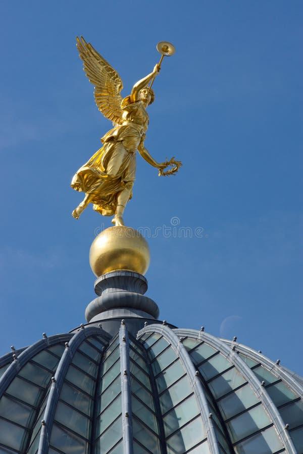 Anjo do ouro em Dresden foto de stock royalty free