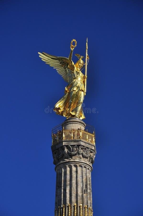 Anjo dourado. Siegessaeule, Berlim, Alemanha foto de stock