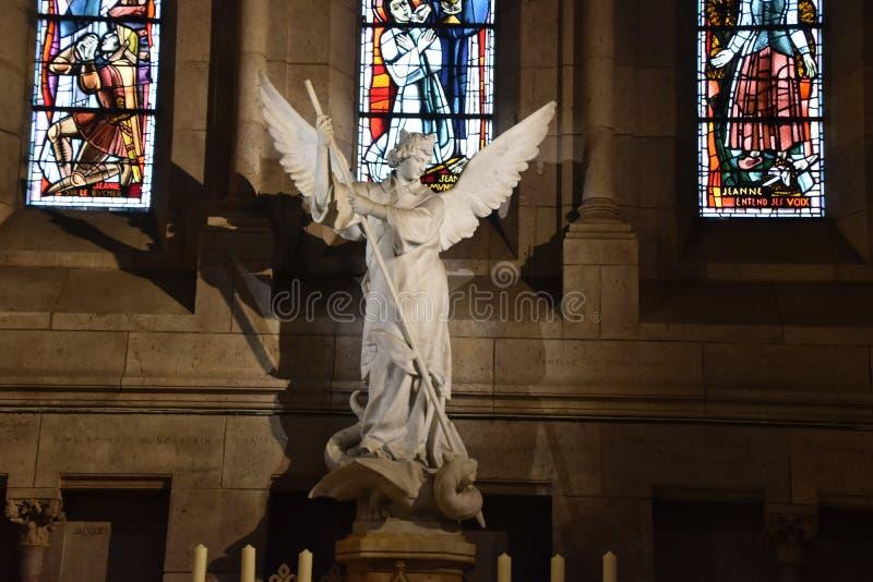 Anjo na igreja imagens de stock