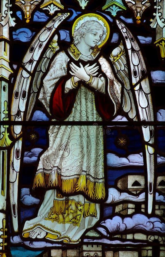 Anjo no vidro manchado imagem de stock