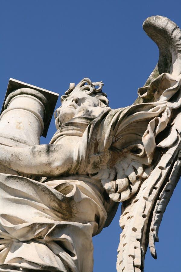 Anjo por Bernini, Roma, ` Angelo de Ponte Sant fotos de stock