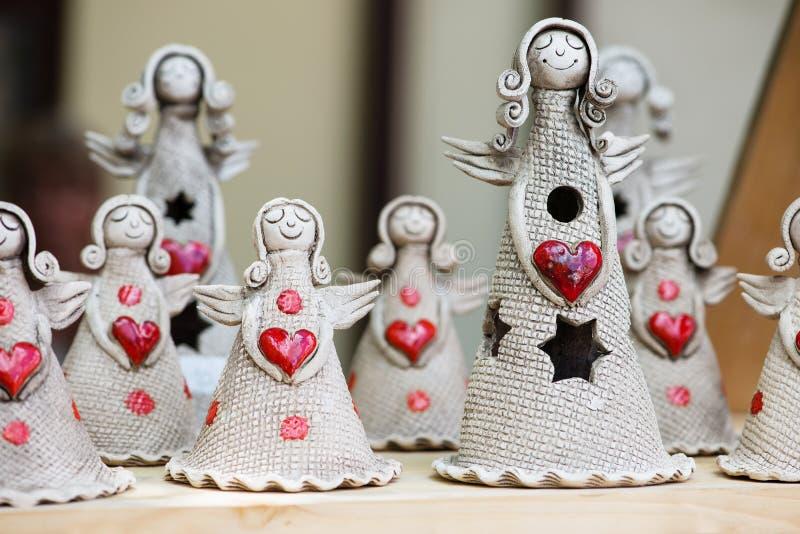 Anjos com coração vermelho fotografia de stock royalty free
