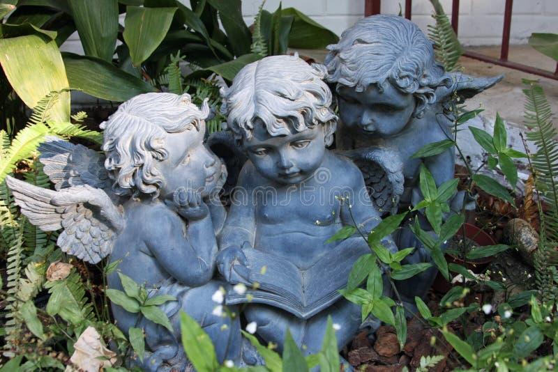 Anjos do jardim fotos de stock