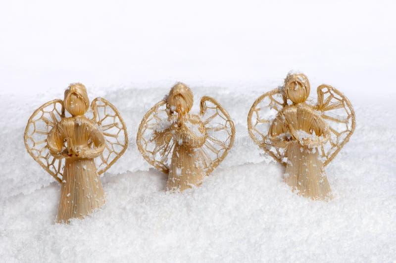Anjos do Natal na neve imagem de stock royalty free