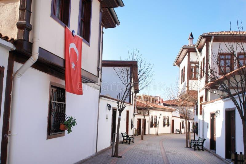 Ankara, Turchia - via con le case di stile dell'ottomano fotografia stock