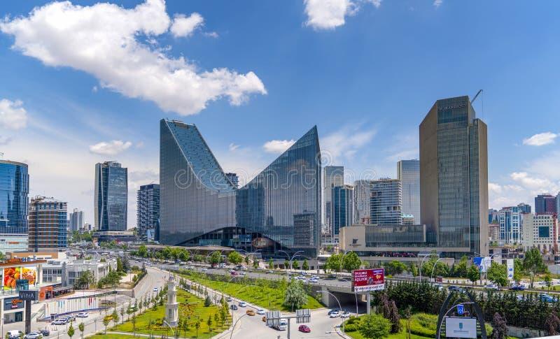 Ankara/Turkiet-Juni 23 2019: Panorama- Ankara sikt med det Sogutozu området royaltyfria bilder