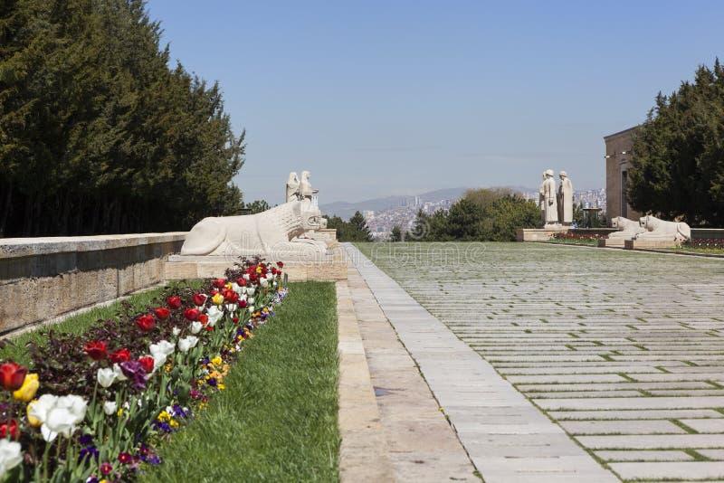ANKARA, TURKIJE - MEI 05, 2015: Foto van het leeuwspoor aan de ingang aan het mausoleum van Ataturk royalty-vrije stock fotografie