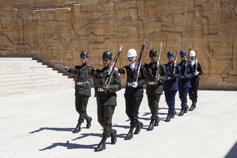 ANKARA, TURKIJE - MEI 05, 2015: Foto van Verandering van wacht van eer bij het mausoleum van Ataturk royalty-vrije stock foto