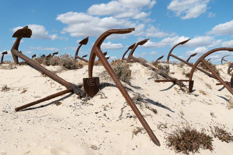 Ankaren i praiaen gör Barril som är ett historiskt område royaltyfria foton