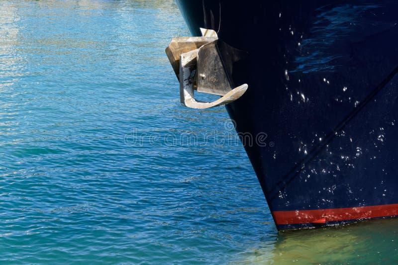 Anker op de boog van een schip royalty-vrije stock foto