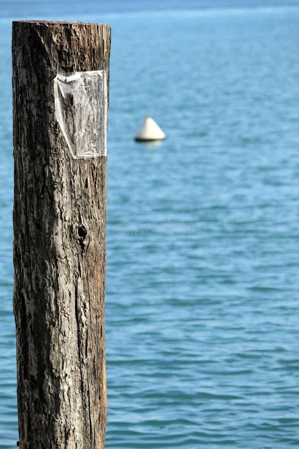 Ankoppeln auf dem Pier lizenzfreies stockfoto