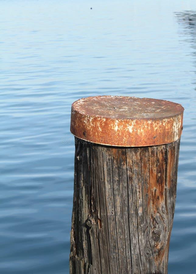 Ankoppeln auf dem Pier lizenzfreies stockbild