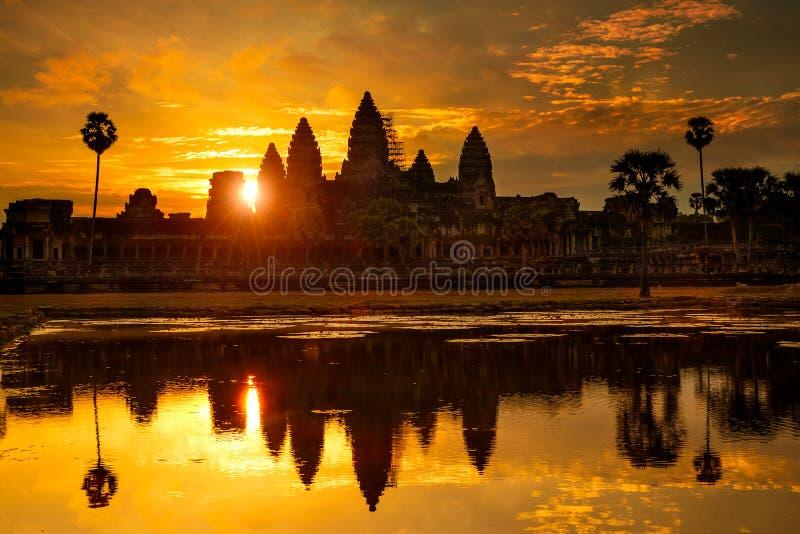 Ankor Wat på gryning, Cambodja arkivfoto