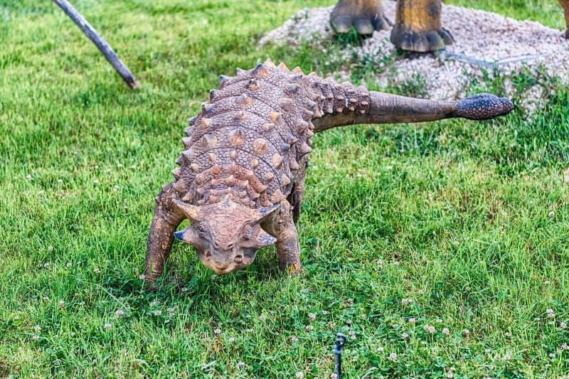 Δεινόσαυρος Ankylosaurus μέσα σε ένα πάρκο του Dino στη νότια Ιταλία στοκ φωτογραφία με δικαίωμα ελεύθερης χρήσης