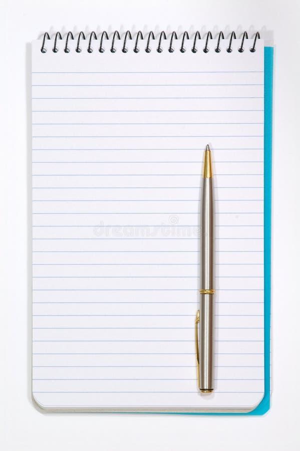 Anmerkungs-Auflage mit white pages und Feder stockfotografie