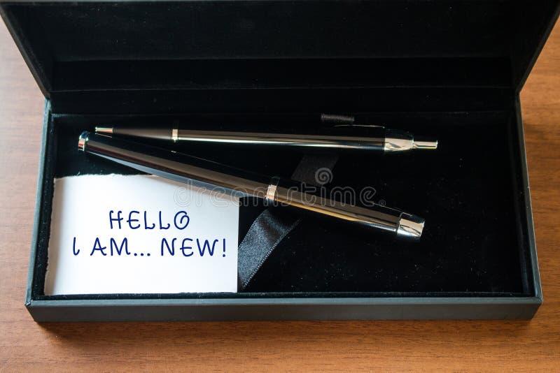 Anmerkungsvertretung hallo, bin mich schreibend neu Geschäftsfotopräsentation verwendet als Gruß oder Telefongespräch nah anfange lizenzfreies stockbild