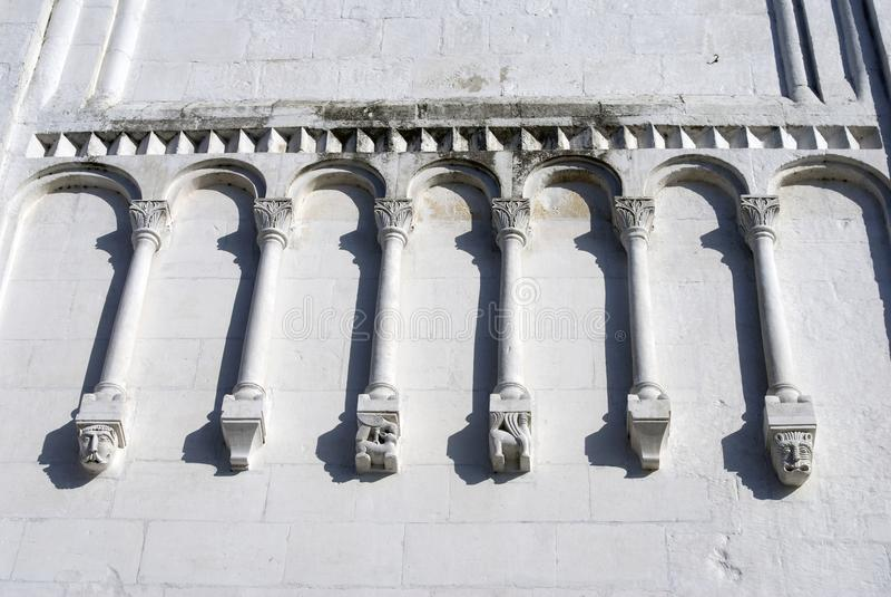 Annahme-Kathedrale in Vladimir, Russland Fassadendetaildekorationen stockbilder