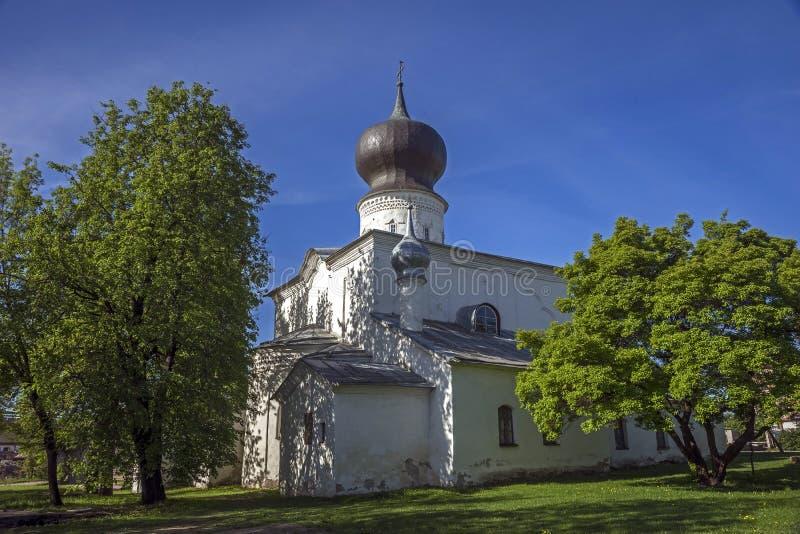 Annahme-Kirche in Pskov stockbilder