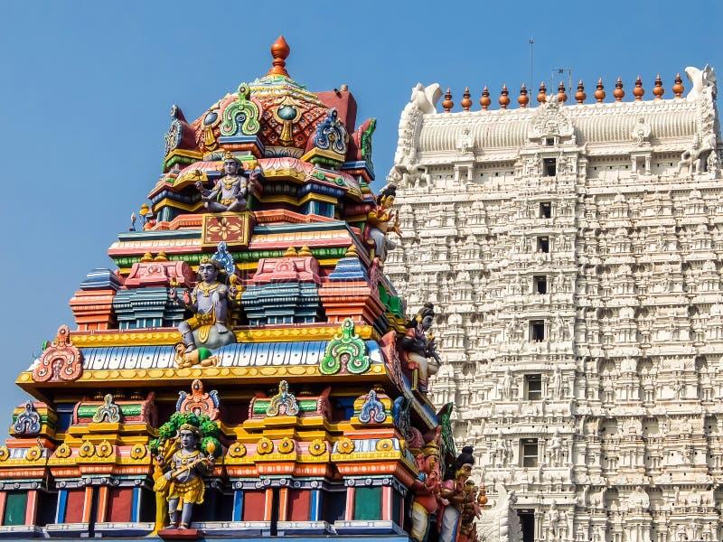 Annamalaiyar寺庙建筑学在Tiruvannamalai,印度 免版税库存照片
