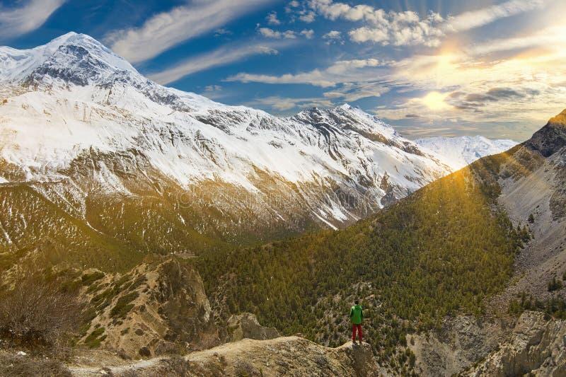 Annapurnabergen in het Himalayagebergte van Nepal stock afbeeldingen