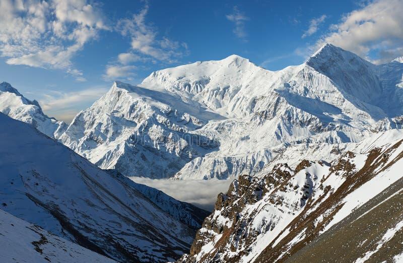 Annapurnabergen in het Himalayagebergte van Nepal stock foto