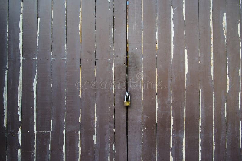 Annata della porta ed azione di legno della foto del blackground fotografie stock