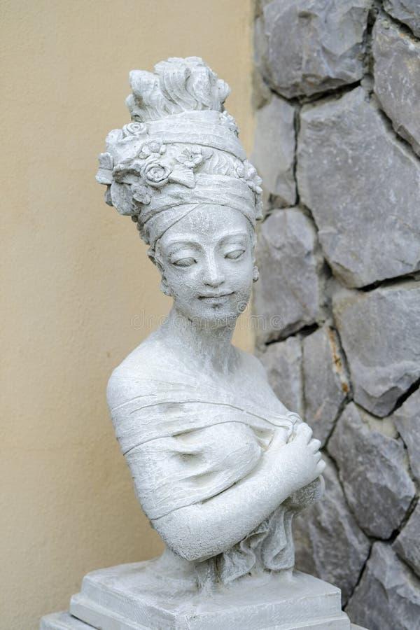 Annata della statua della donna fotografie stock libere da diritti