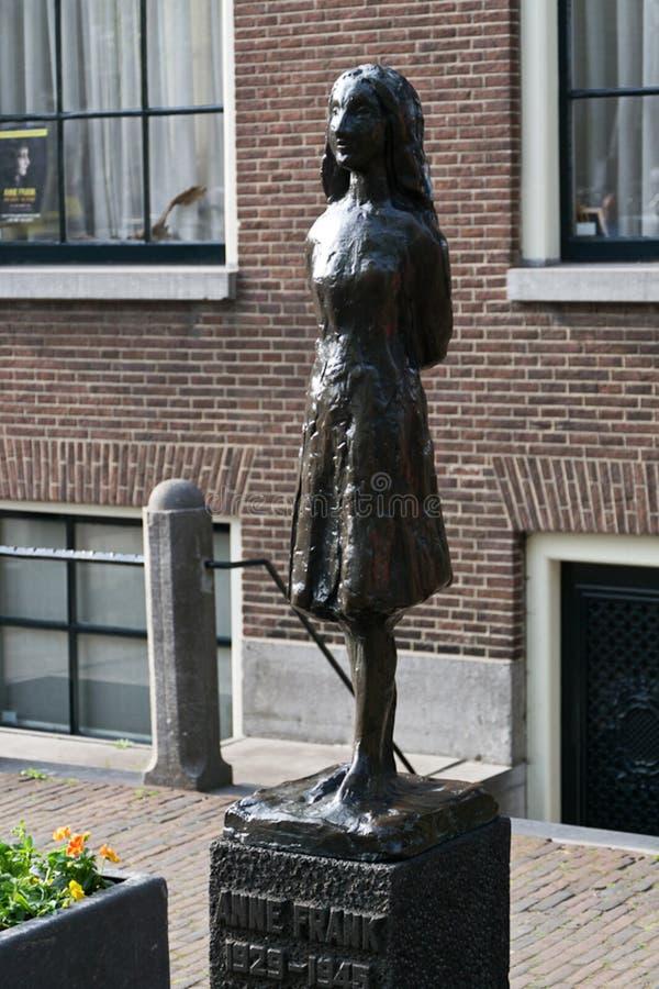 Anne Frank brązu statua zdjęcia royalty free