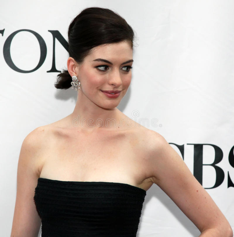 Anne Hathaway. Actress Anne Hathaway arrives on the red carpet at the 63rd Annual Tony Awards at Radio City Music Hall in New York City; June 7, 2009 stock images