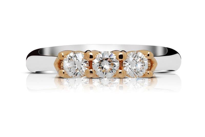 Anneau avec la trilogie des diamants image stock