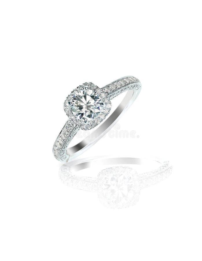 Anneau de mariage de fiançailles de solitaire de diamant photos stock