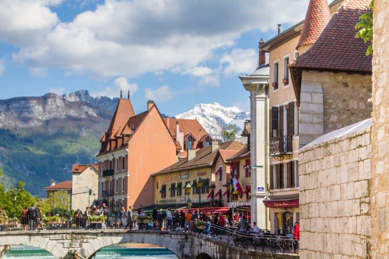 """Annecy, Francia - 12 maggio 2019: Città alpina pittoresca in Francia sudorientale, aka """"la perla delle alpi o """"di Venezia frances fotografia stock libera da diritti"""