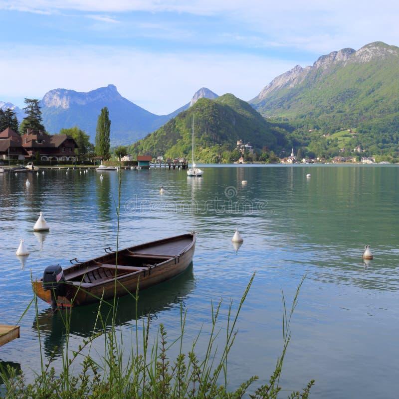 annecy lake arkivbild