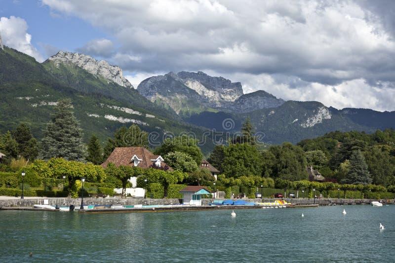 Download Annecy meer stock foto. Afbeelding bestaande uit bergen - 10775272