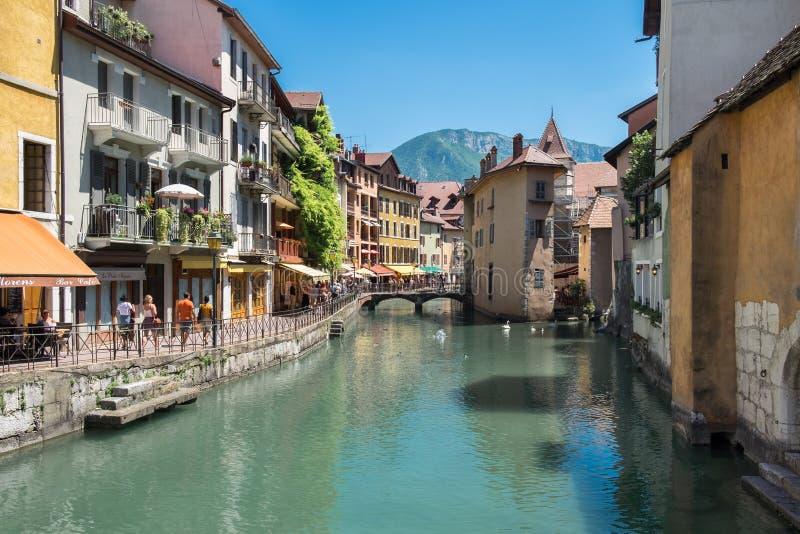 Annecy, pérola de cumes franceses no departamento do Haute-Savoie france fotografia de stock royalty free
