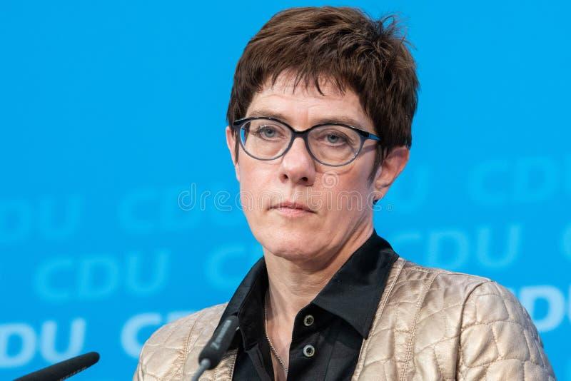 Annegret Kramp-Karrenbauer говоря с ее партией, немецкое CDU в день избраний в немецком государстве Hesse в 2018 стоковые фото