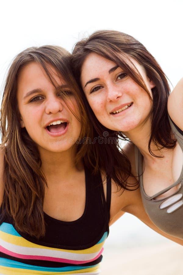 anni dell'adolescenza allegri immagini stock