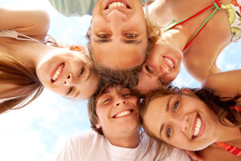 Anni dell'adolescenza felici fotografie stock libere da diritti