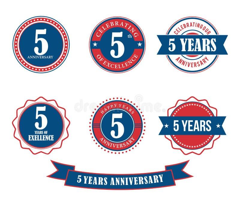 5 anni di anniversario del distintivo dell'emblema di vettore del bollo royalty illustrazione gratis