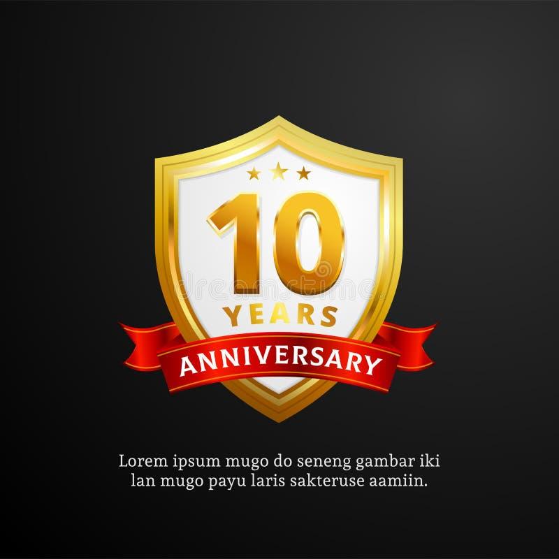 10 anni di anniversario di logo del distintivo di progettazione di vettore schermo brillante con il nastro per il fondo di celebr illustrazione di stock