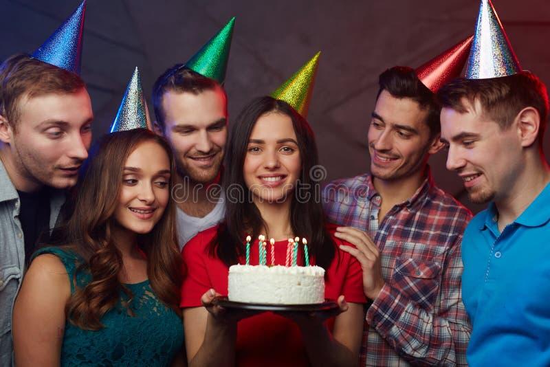 Anniversaire avec le gâteau photo libre de droits